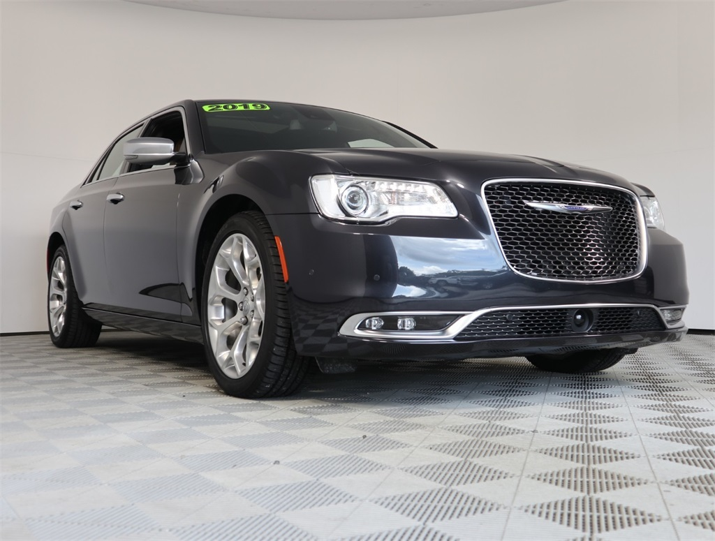 Pre-Owned 2019 Chrysler 300C C