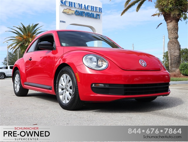 Certified Pre-Owned 2013 Volkswagen Beetle 2.5L Entry