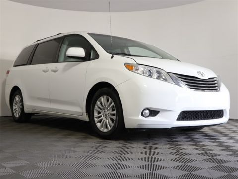 Pre-Owned 2013 Toyota Sienna XLE Mobility Auto Access